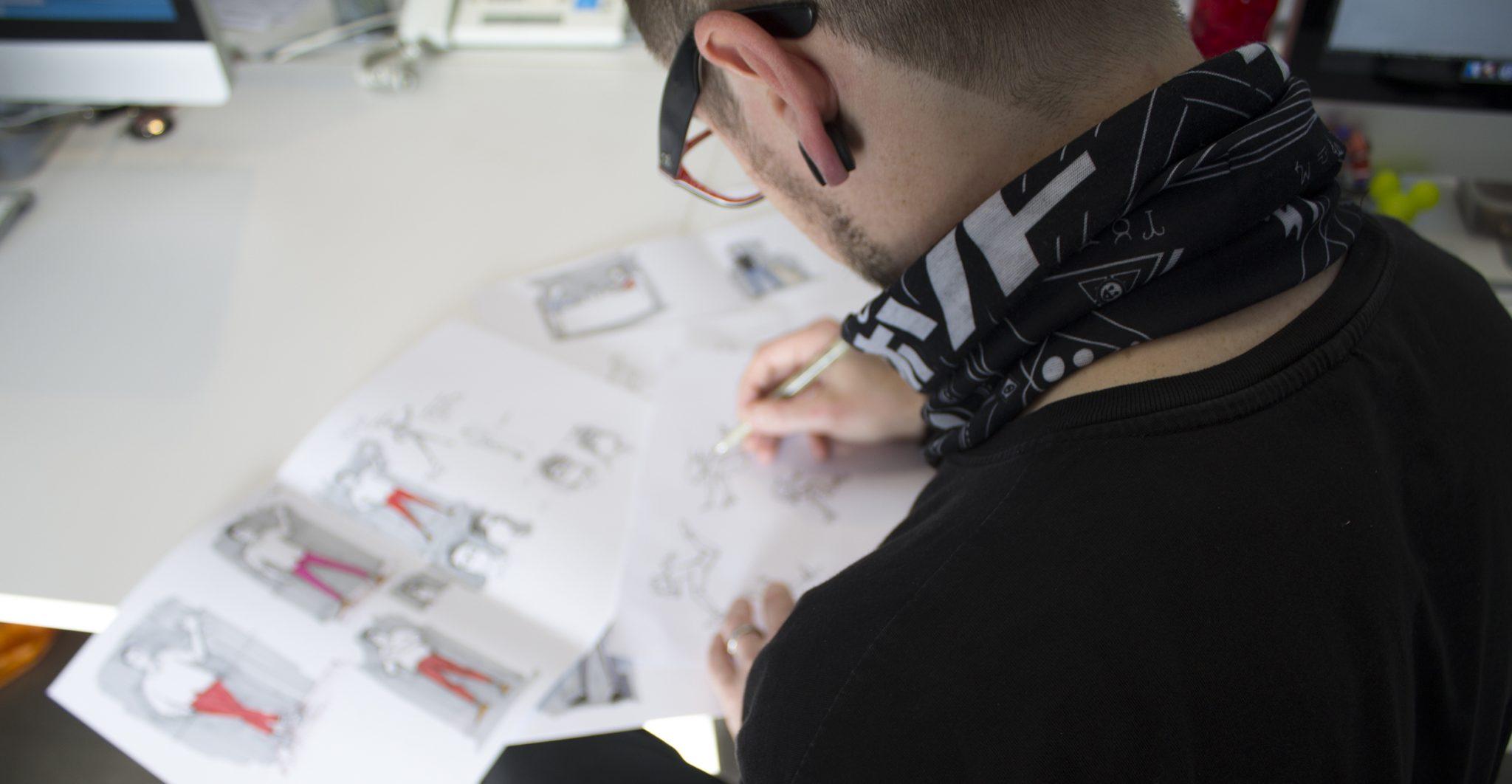 tom-designing