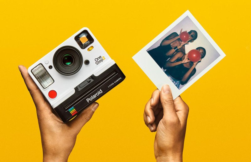 polaroid-camera-2